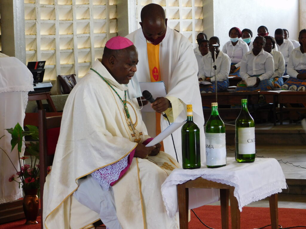 Bishop Montfort Stima at Chrism Mass